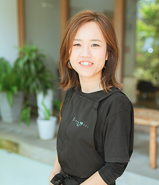 2017年入社 Garden++. アイリスト兼美容師 中野 綾(小出美容専門学校卒)
