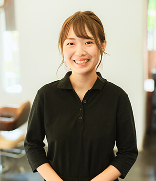 2018年入社 Affiner 美容師兼着付師 太田 美優(グラムール美容専門学校卒)